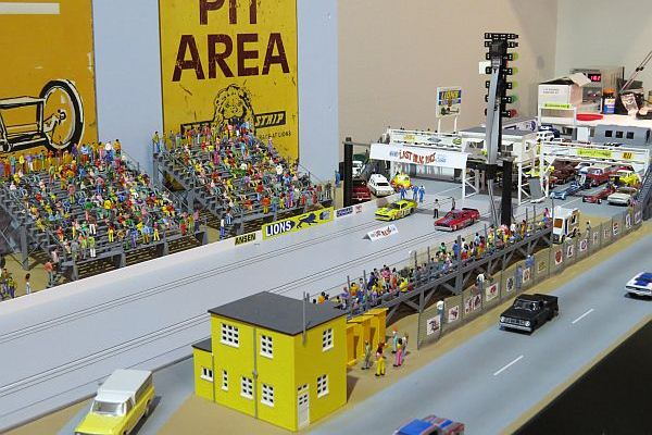 Complete Lions Drag Strip in HO scale! | Mac's Motor City Garage