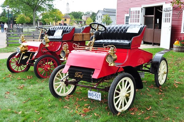 1903 Ford and 1903 Cadillac