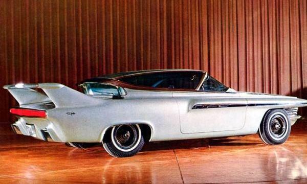 DÉLIRES DE DESIGNERS... - Page 30 1962-Chrysler-Ghia-Turboflite-Right-Rear-1